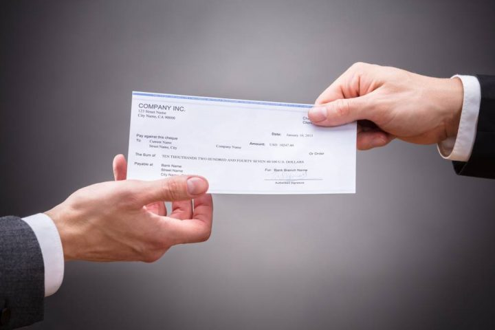 How to Fill and Read Out a Cheque